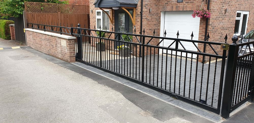 STEEL SLIDING GATE INSTALLED IN BROCKWORTH, GLOUCESTER - AUTOMATED BY THE GATE GUYS