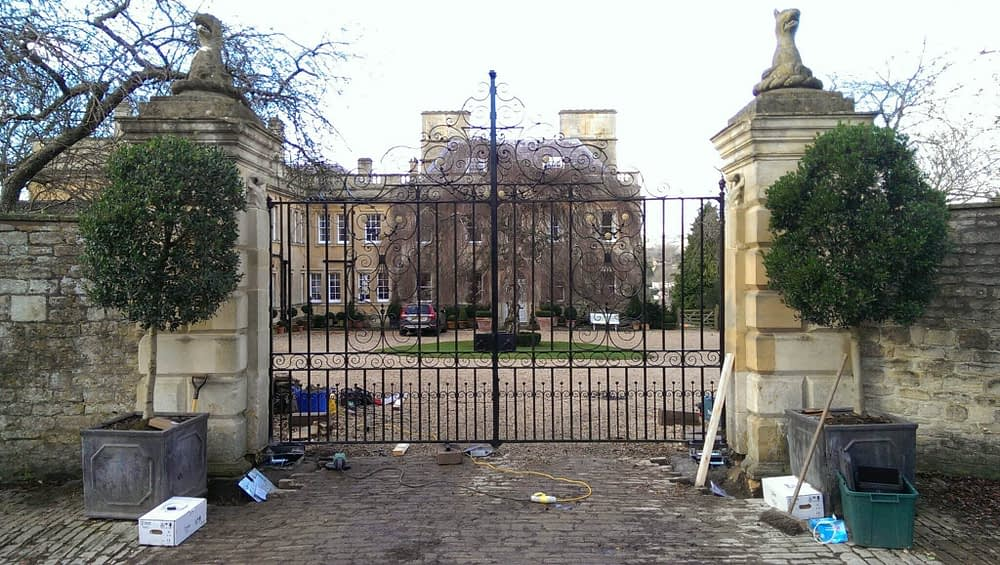 AUTOMATION & RESTORATION OF HISTORIC GATES IN BATH