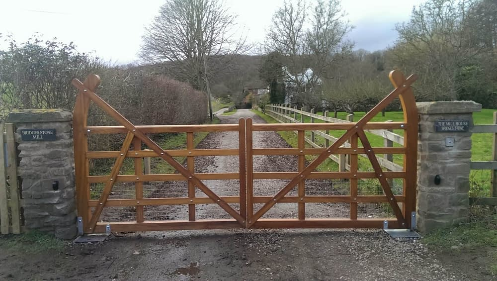 ONE OFF FIVE BAR GATES MADE FROM IRKO WITH UNDERGROUND AUTOMATION - MALVERN AREA