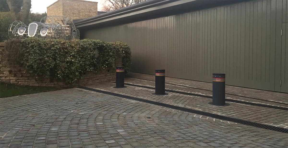 HIGH SECURITY BOLLARDS TO PREVENT CAR THEFT